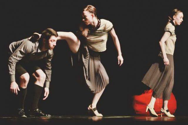 Артисты екатеринбургского театра «Провинциальные танцы» сыграют со временем