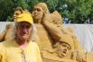 Скульптор Александр Кныш говорит, что такие фигуры можно высекать обычной вилкой