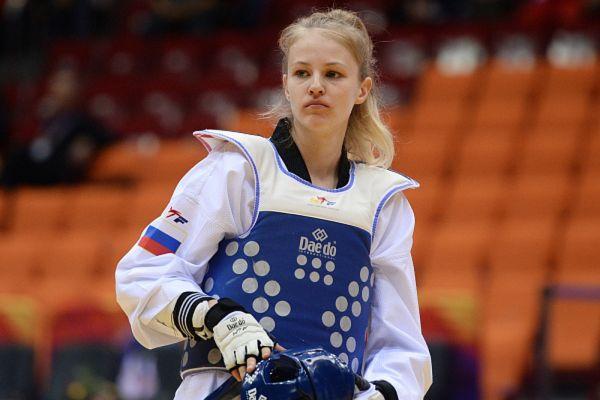 Анастасия Барышникова принесла сборной России первую золотую медаль в тхэквондо. В финале турнира среди девушек в весовой категории до 67 кг она победила Фариду Азизову из Азербайджана со счетом 6-5.