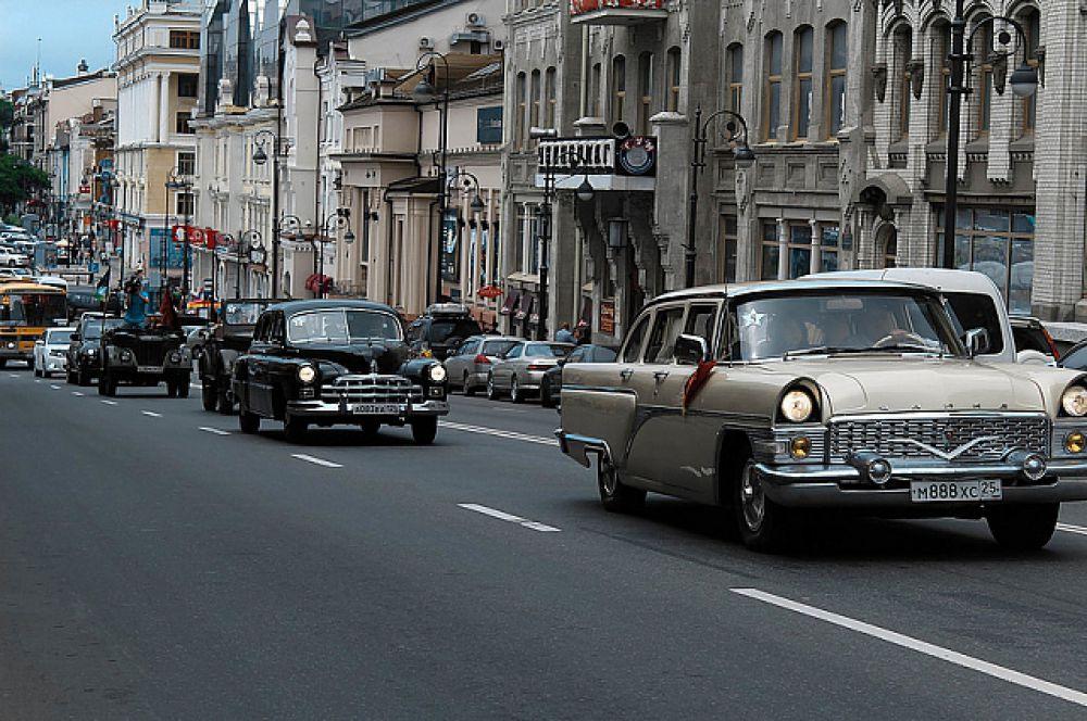 В путь по улицам города отправились 25 автомобилей.