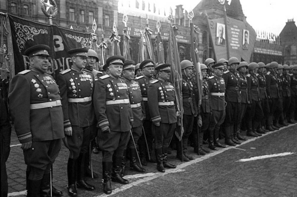 Воины 3 Белорусского фронта на Параде Победы.