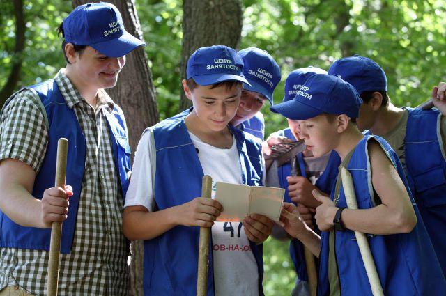 Шестнадцатилетним ребятам предлагается только низкоквалифицированный труд.