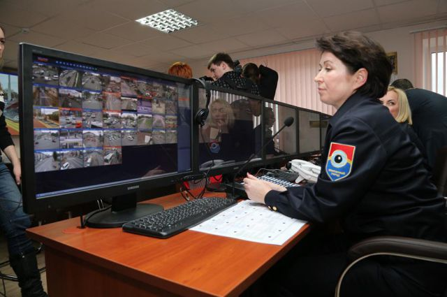 Изображения с камер выводятся на мониторы диспетчера.
