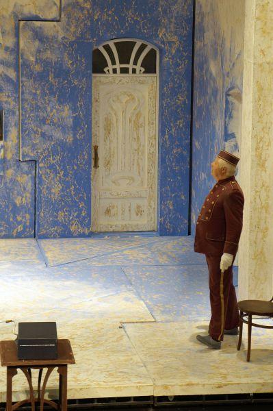Режиссером новой постановки стал Анатолий Праудин.