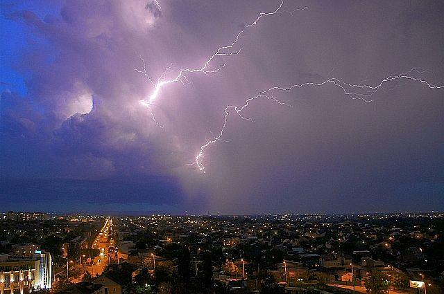 Непогода вКрыму оставила без света 15 тыс. человек