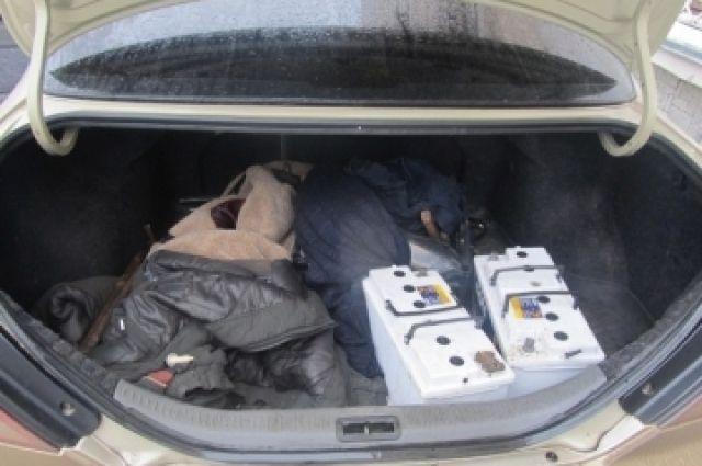 Ездить в багажнике совсем не комфортно.