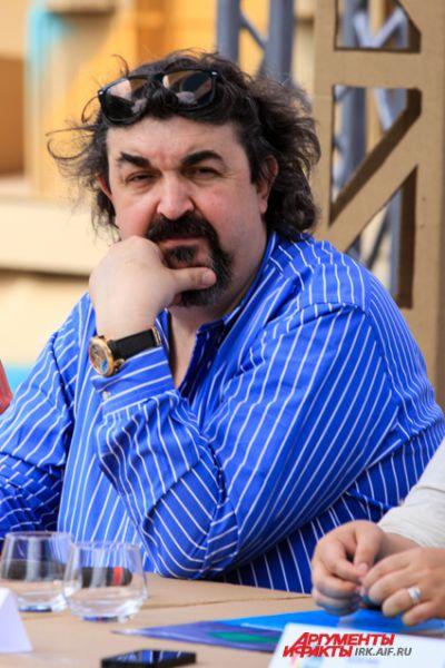 Известный актер Игорь Золотовицкий ведет театральные проекты фестиваля.