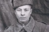 В 1941 г. Александр Каменецкий уже был «Ворошиловским стрелком».
