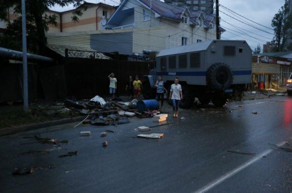 После паводка на улицах горы мусора, их предстоит убрать на городском субботнике.