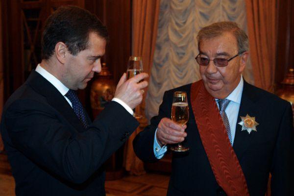 23 ноября 2012 года избран Председателем Совета директоров ОАО «РТИ» (решения в области комплексных систем связи и безопасности).