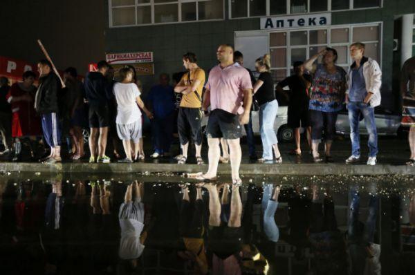 Некоторым жителям из-за подтопления пришлось покинуть свои дома. Были созданы 11 пунктов временного размещения,но востребованными оказались только три.