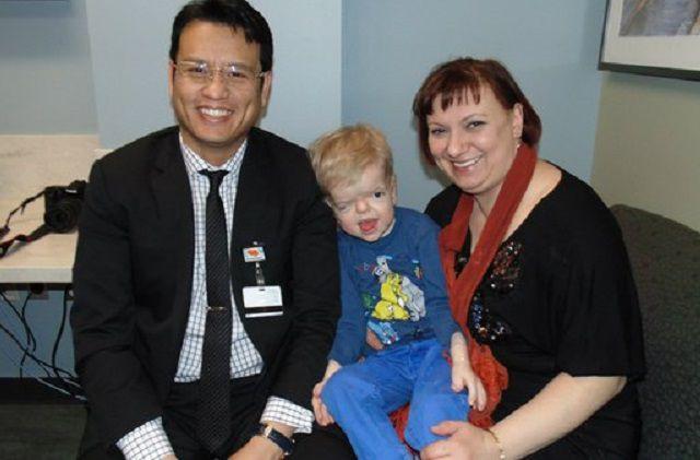 Денис и его мама надеятся на помощь добрых людей