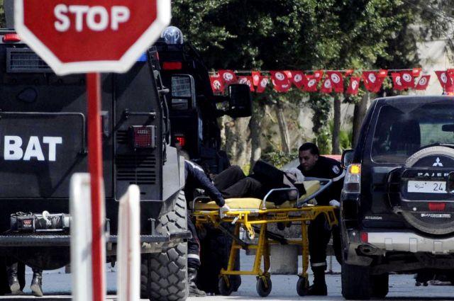 Reuters                           Все материалы сюжета                Нападение боевиков на отели в Тунисе