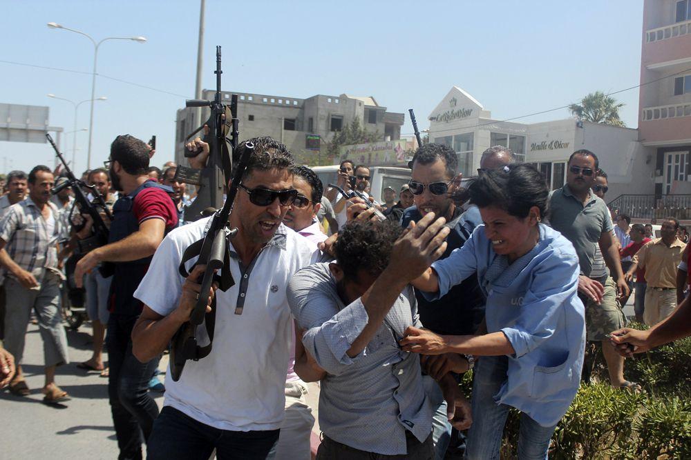 Вскоре,  полиция задержала второго преступника. Кроме того, следователи опознали ликвидированного террориста. Это, по предварительным данным, гражданин Туниса из города Каафур из провинции Салаяна.