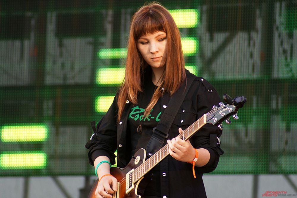 Фестиваль «Rock-Line» («Рок-Лайн») — крупный российский рок-фестиваль, open air. С 1996 года по 1998 год и в 2003 году проводился в Кунгуре. С 2006 года проводится в Перми на территории бывшего аэродрома Бахаревка.