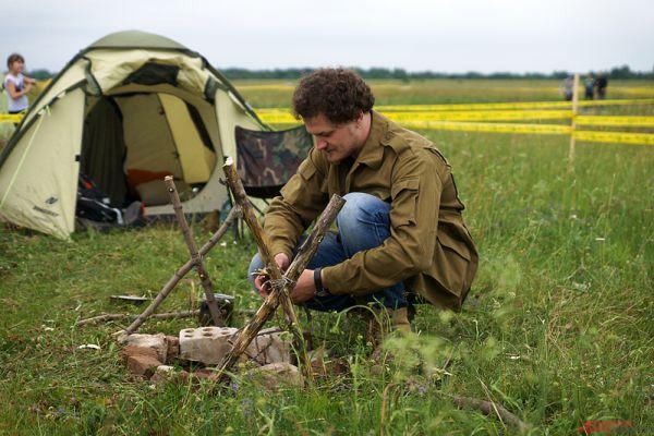 Основной атрибут фестиваля - палаточный лагерь, разбитый неподалеку от главной сцены.