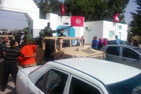 Через несколько часов после теракта, МИД Туниса уточнило информацию по погибшим. Среди жертв оказались: один гражданин Бельгии, пять граждан Туниса, пять граждан Германии, четыре гражданина Великобритании, три гражданина Франции.