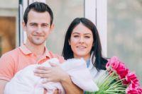 Маша Собко с мужем и дочерью