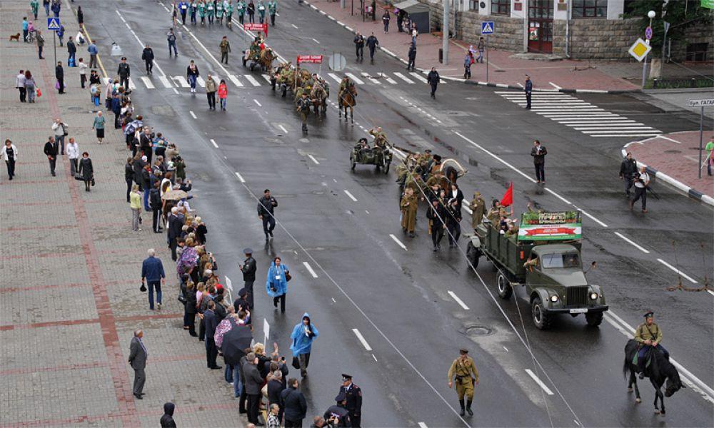 Первый патриотический фестиваль «Партизанскими тропами Брянщины» состоялся в областном центре в субботу и был приурочен к появившемуся в 2009 году Дню партизан и подпольщиков.