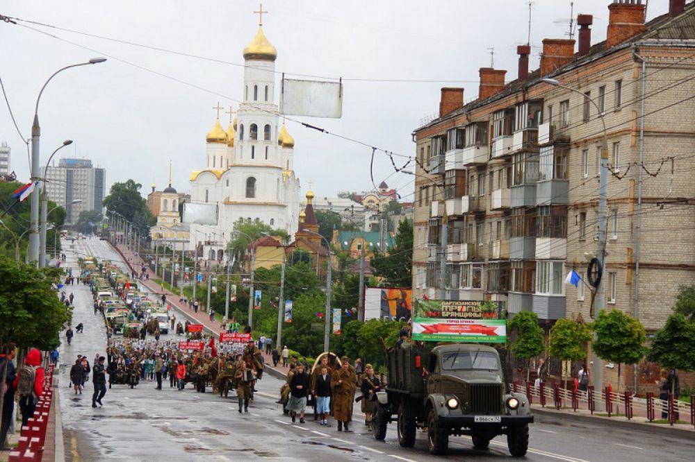 Главным событием фестиваля стал «Партизанский обоз» - театрализованное шествие, рассказывающее об истории и быте партизан в годы Великой Отечественной войны.