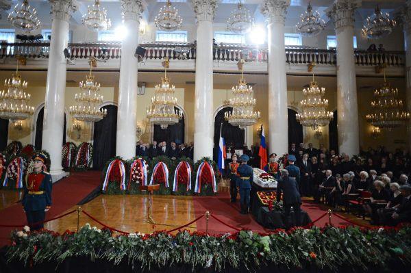 На церемонии прощания с политиком Евгением Примаковым в Колонном зале Дома Союзов.