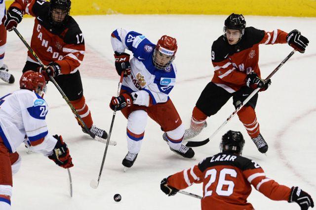 Игрок сборной России Иван Проворов в финальном матче чемпионата мира по хоккею между сборными командами Канады и России.