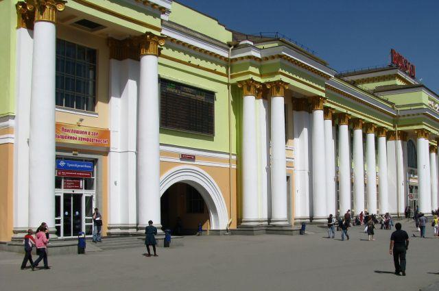 Площадь перед железнодорожным вокзалом в Екатеринбурге ждет реконструкция