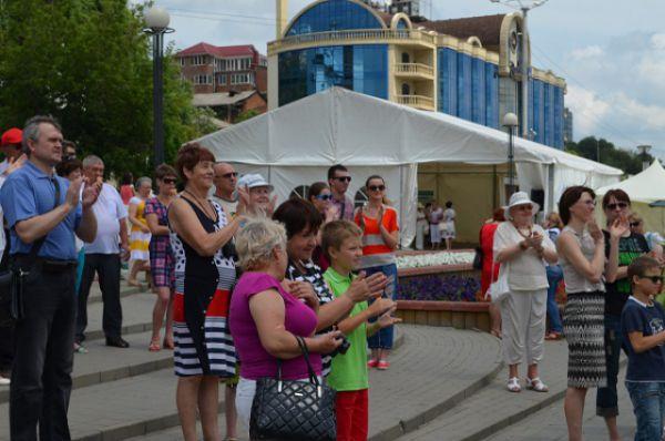 Фестиваль собрал сотни участников и зрителей,...