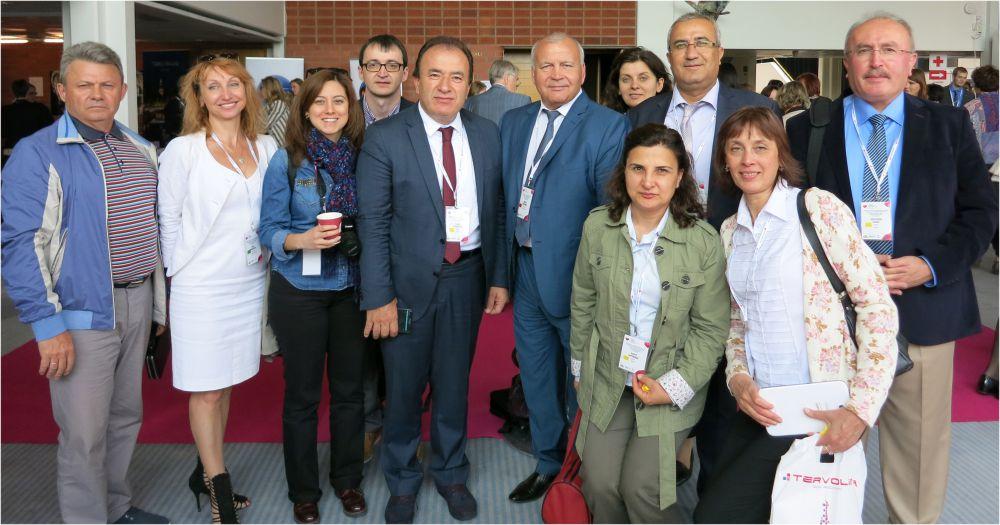 Глава города Николай Горшенин (в центре) вместе с участниками антикоррупционной недели.