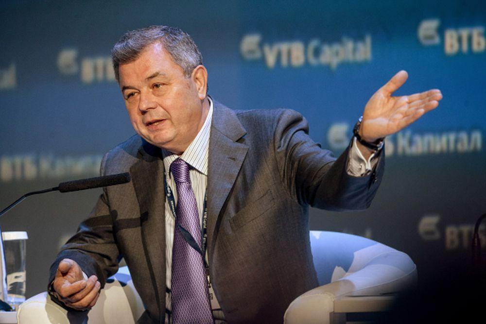 Анатолий Артамонов – губернатор Калужской области с 12 ноября 2000 года.