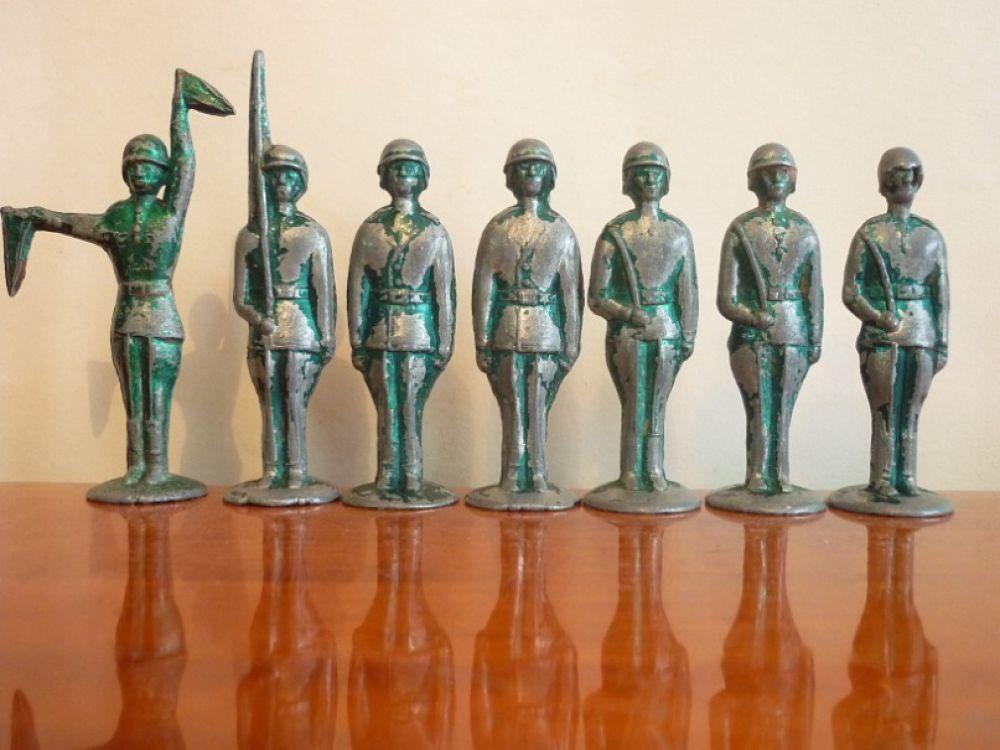 Набор солдатиков 1960-х годов производства Минского моторного завода