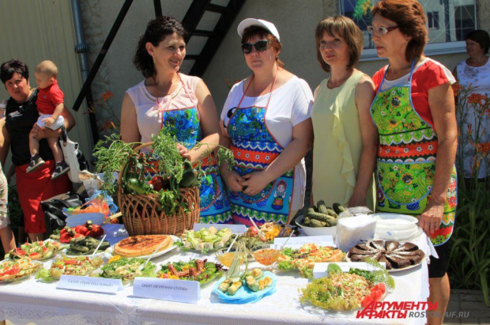 Багаевцы впечатляют своей выдумкой по приготовлению блюд из огурцов.