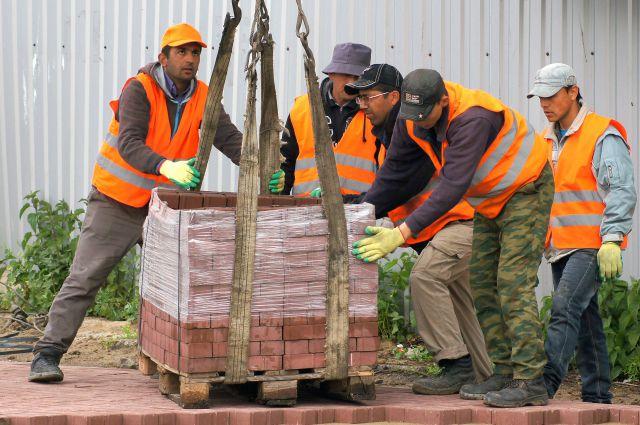 В Новосибирской области  работают более 28 тысяч мигрантов