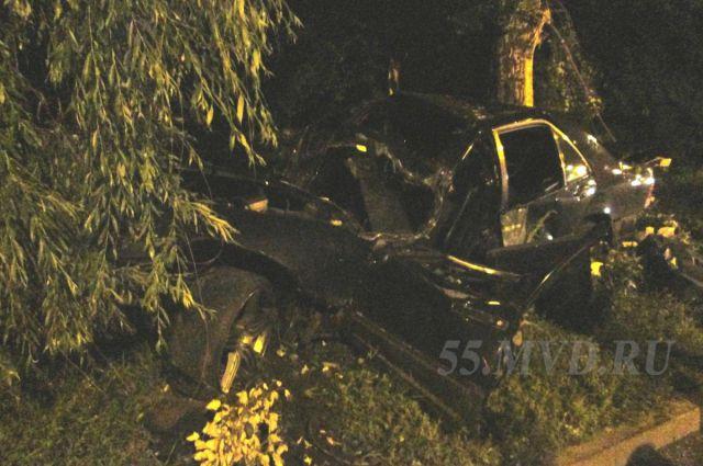 Водитель автомобиля скончался в больнице.