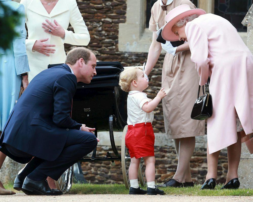 Среди посетивших церемонию крещения была королева Великобритании Елизавета II и ее супруг герцог Эдинбургский принц Филип.