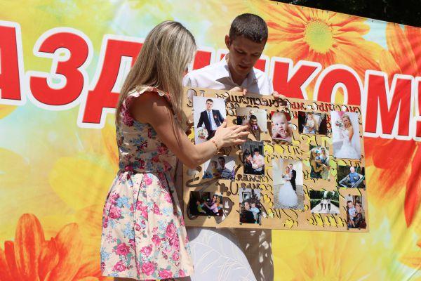 Семья Некрасовых на первом этапе конкурса «Визитка». Вместе они 5 лет.