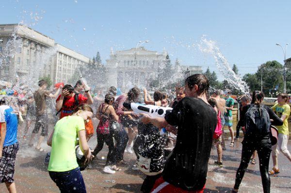 Жаль только, вода в фонтане быстро заканчивается.