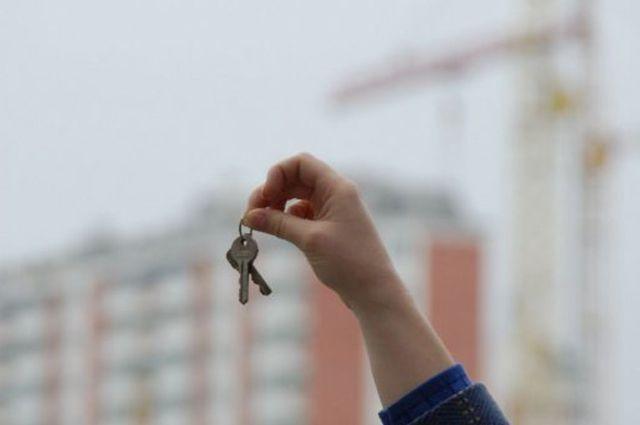 В 2014 году квартиры в крае получили 460 детей-сирот.