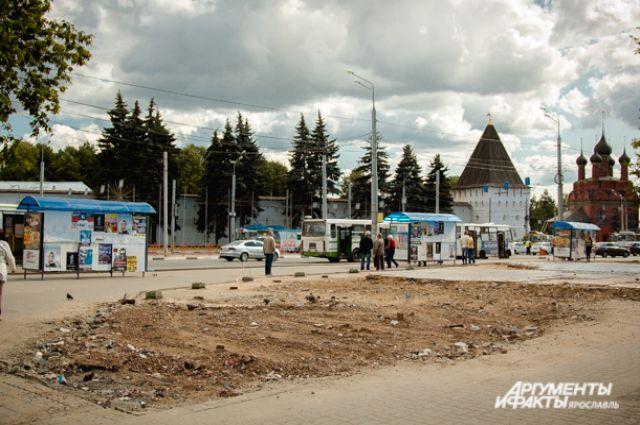 «Гостиный дворик», простоявший на площади четверть века, снесли «под ноль».