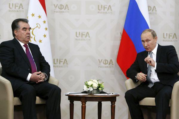 Президент Республики Таджикистан Эмомали Рахмон и президент России Владимир Путин.