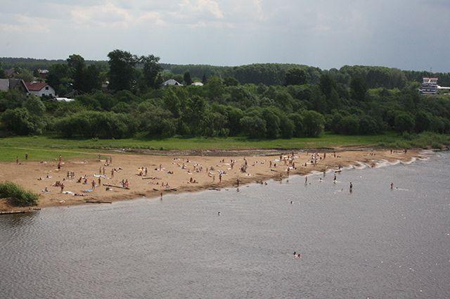 Продолжается проверка воды в местах для купания.