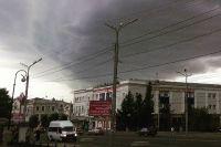 В короткое время в Омске похолодало, а над городом нависли тучи.