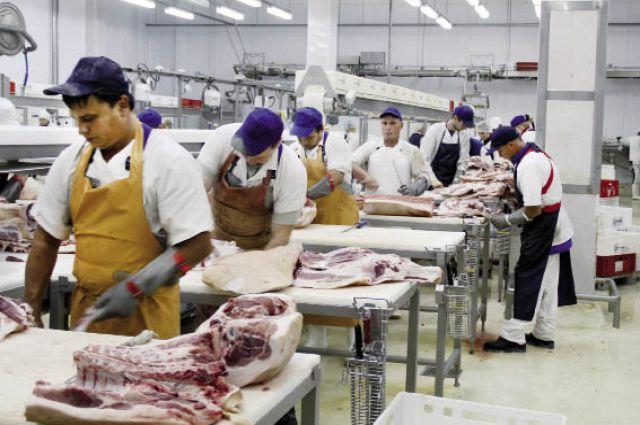 Производственные мощности увеличили в 50 раз - с 3 до 150 т колбасных и мясных изделий в сутки.