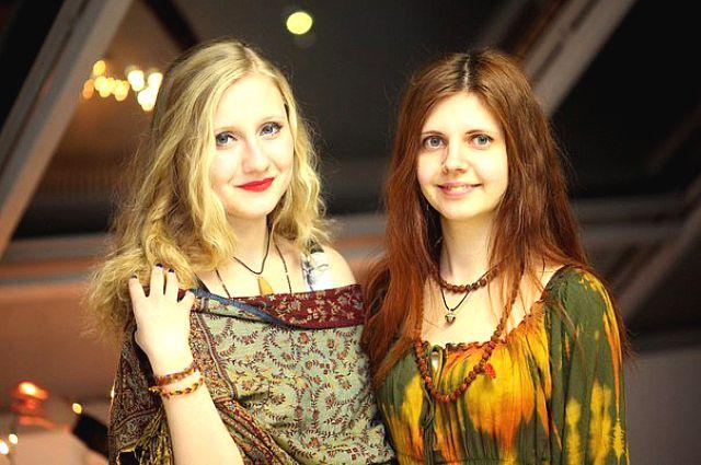 Вокалистки группы «МинДаль» Шу Стаценко и Лена Князева.