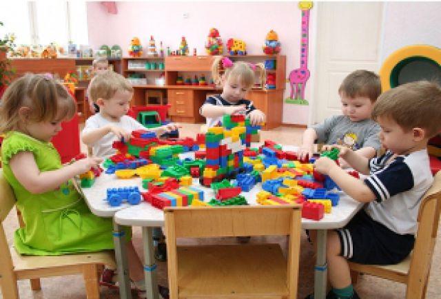 Почему детям не хватает мест в детских садах?
