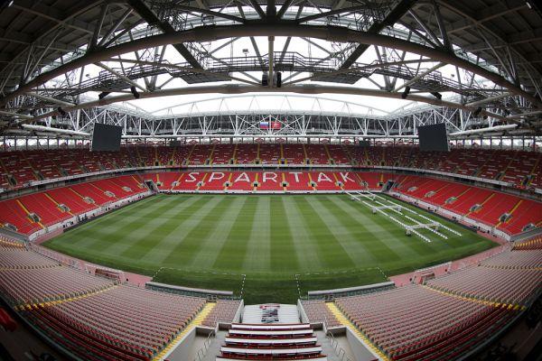 Вместимость стадиона составляет 45 000 мест, строительство обошлось владельцу клуба – Леониду Федуну в 14,5 млрд рублей.