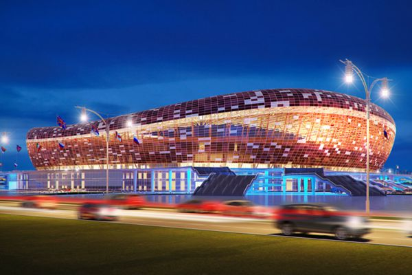 На время проведения матчей Чемпионата мира 2018 вместимость стадиона в Мордовии составит 45 015 мест. После завершения турнира часть трибун, построенных из сборно-разборных конструкций, будет демонтирована. После этого постоянная вместимость будет 25 000 зрительских мест. По предварительным планам формой и цветом новая арена будет напоминать красное солнце, изображенное на флаге Мордовии.