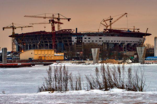 Руководитель проекта отметил, что при строительстве «Зенит-Арены» на 98% используются российские материалы. На данный момент стадион готов на 75%.