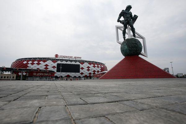 «Открытие арена» расположена в Москве в районе тушинского аэродрома и принадлежит футбольному клубу «Спартак». 2 июня 2007 года на строительной площадке состоялась церемония торжественной закладки первого камня. Первоначально стадион планировалось сдать в эксплуатацию в 2009-2010 году. Однако в 2010 году проект арены был пересмотрен, в связи с тем, что архитектурный совет забраковал первоначальный его вариант.
