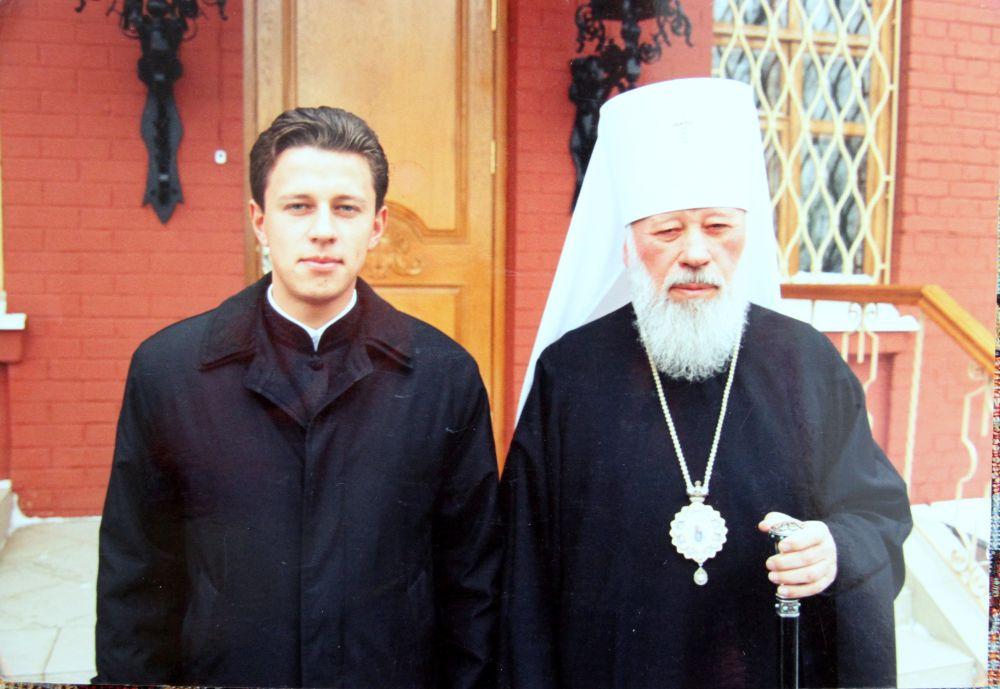 «Он великий украинец. Блаженнейший Владимир был человеком, который создал нашу церковь», - так президент Украины Петр Порошенко говорил ровно год назад, 5 июля, когда предстоятеля Украинской православной церкви не стало